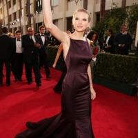 Sem troféu, Taylor Swift brilha no tapete vermelho do Globo de Ouro; veja fotos